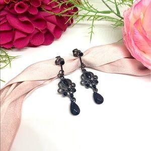 ⚜️VINTAGE Black Filigree Lace Clip Earrings
